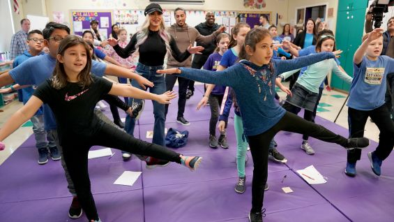 4th Graders and WWE Superstars do Kid Power Ups together